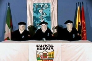 ETA annuncia la fine del terrorismo armato